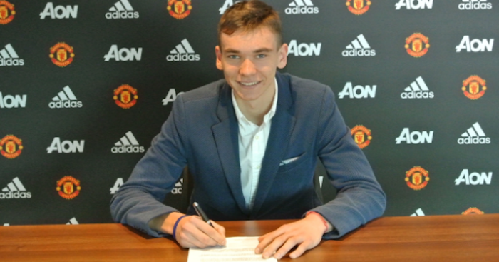 Photo of Manchester United Complete Signing of New Goalkeeper, Matej Kovar