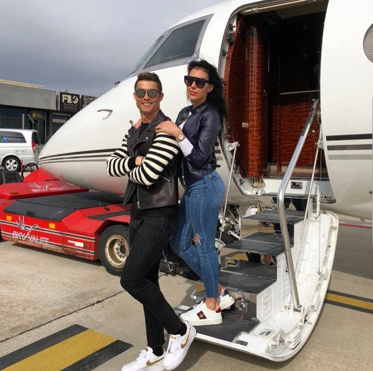 5a8c568c3cf91 - Cristiano Ronaldo share stylish photo of himself and girlfriend, Georgina Rodriguez