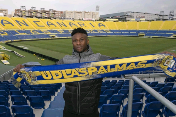 Imoh Ezekiel - Las Palmas Confirm the signing of Nigerian forward Imoh Ezekiel