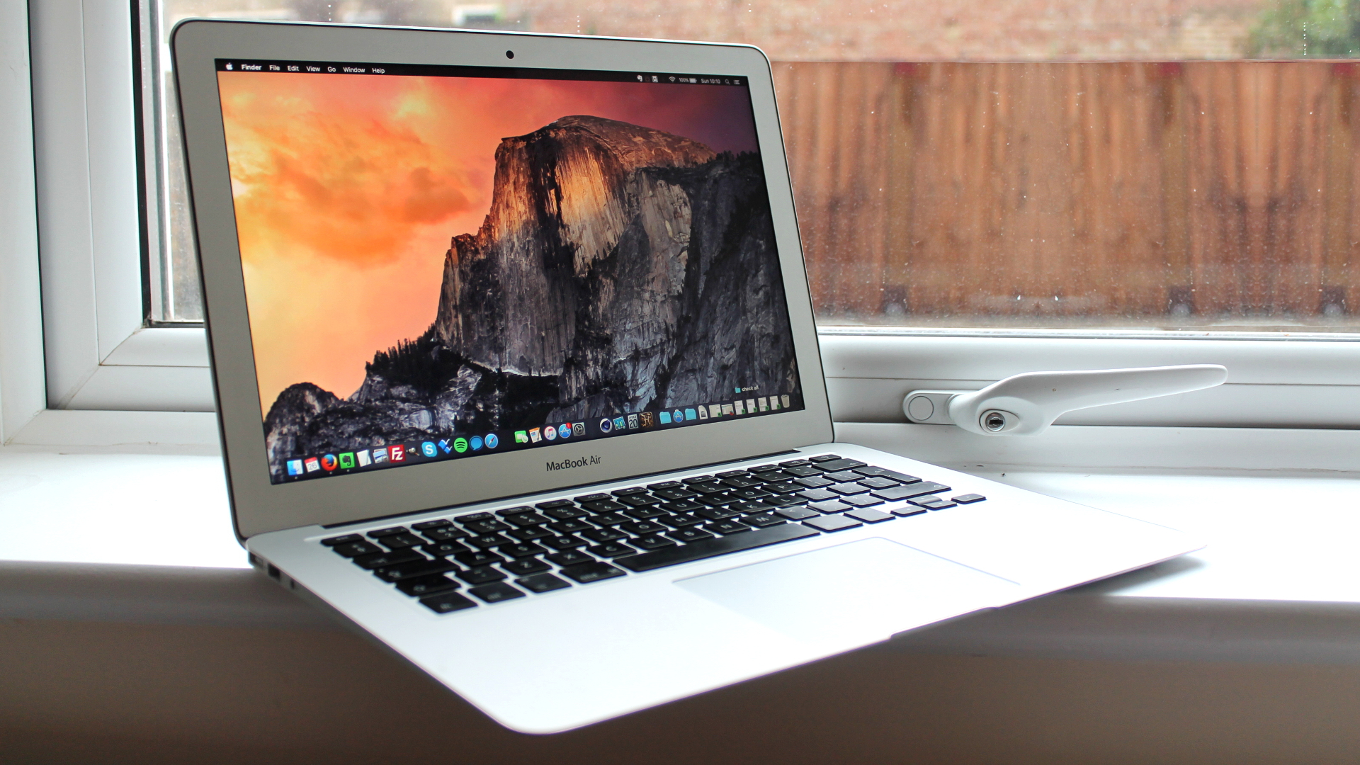 Photo of Apple Expected to Release More Affordable 13-Inch MacBook Air This Year