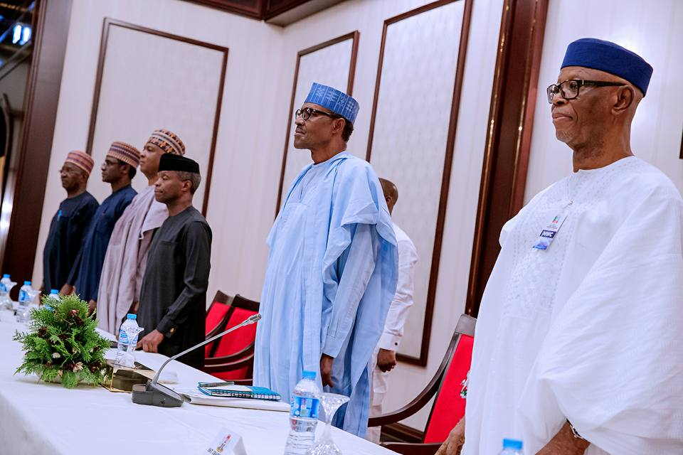 Photo of President Buhari in Closed-door Meeting with APC Governors at Aso Villa