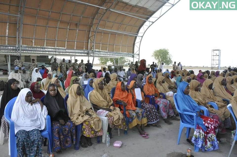 Photo of PHOTOS: Released #DapchiGirls Airlifted to Abuja to Meet With President Buhari