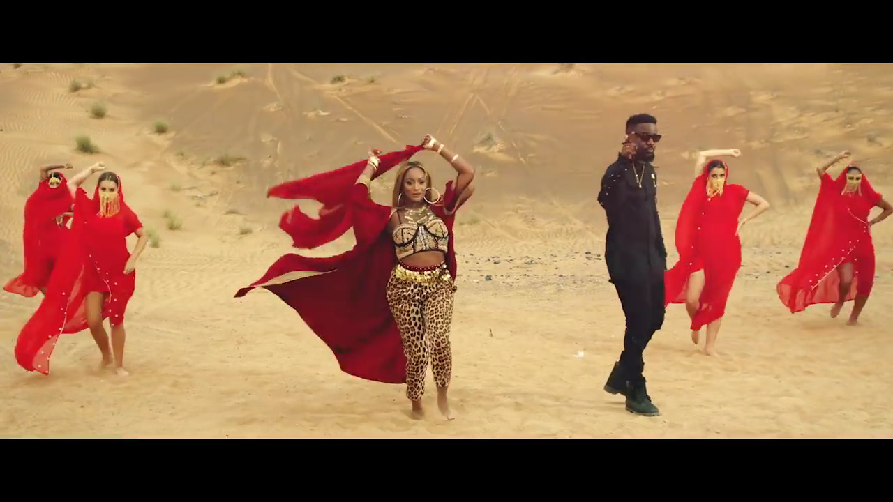 Photo of VIDEO: Cuppy ft. Sarkodie – Vybe