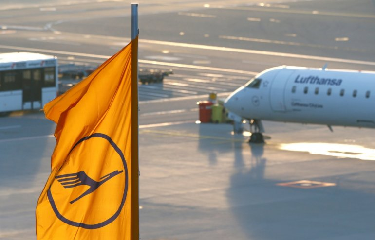 Photo of Lufthansa Cancels 800 Flights In German Airport Strikes