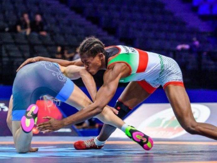 Odunayo Adekuoroye 696x522 - Nigeria's Adekuoroye Wins Gold in Women's Wrestling Freestyle at Commonwealth Games