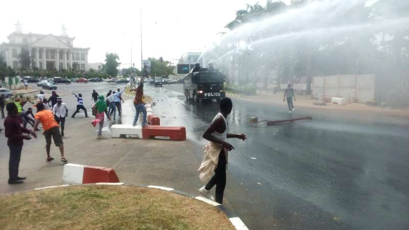 Police, Shiites Clash In Kaduna Over Continuous Detention of El-Zakzaky - OkayNG News