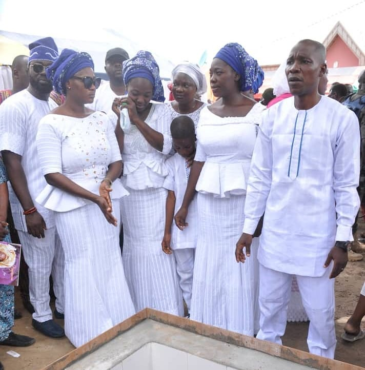 35001004 1425020014299142 1245150189212139520 n - PHOTOS: Mercy Johnson's Mother Laid to Rest