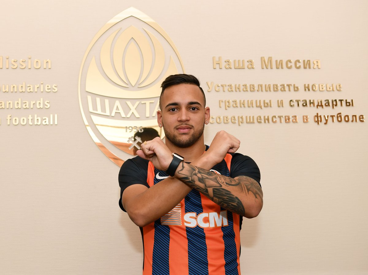 Df56TouW0AArhy7 - Transfer News: Brazilian Midfielder, Maicon joins Shakhtar Donetsk from Corinthian