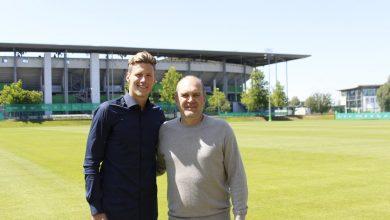 DgnlovDW4AAfX 7 390x220 - Transfer News: AZ Alkmaar striker, Wout Weghorst joins Wolfsburg