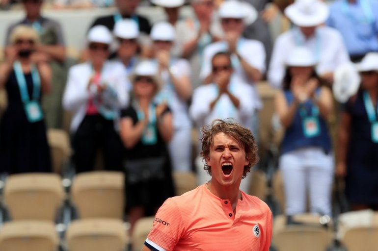 Photo of Alexander Zverev Reaches First Grand Slam Quarter-final at French Open