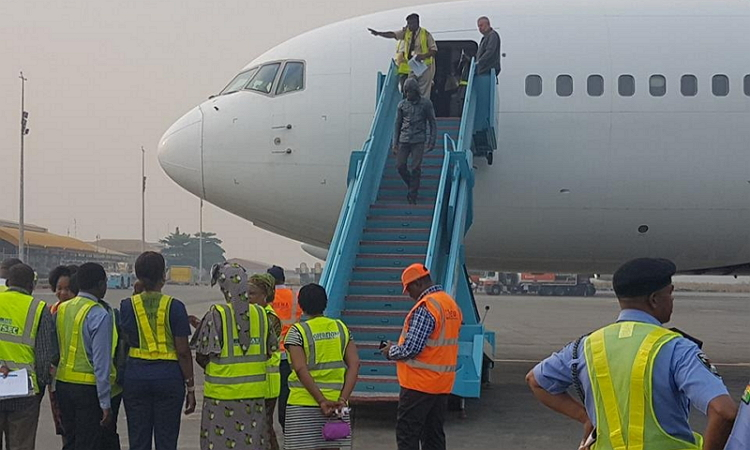 Photo of 34 Nigerians Deported From US