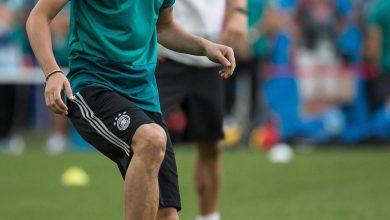 DgUVn7pWsAgU2sk 390x220 - Arsenal midfielder, Mesut Ozil announces retirement from international football