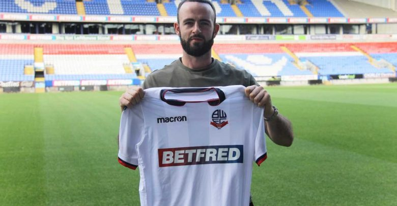 Photo of Transfer News: Bolton Wanderers sign former Sunderland defender Marc Wilson