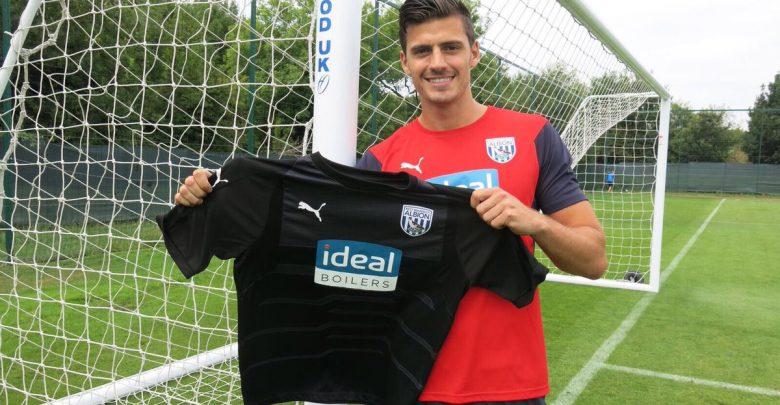 Photo of Transfer News: West Brom sign former Reading goalkeeper Jonathan Bond