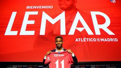 DjWyCUQW0AEVUcT 390x220 - Atletico Madrid Unveil Thomas Lemar To Fans