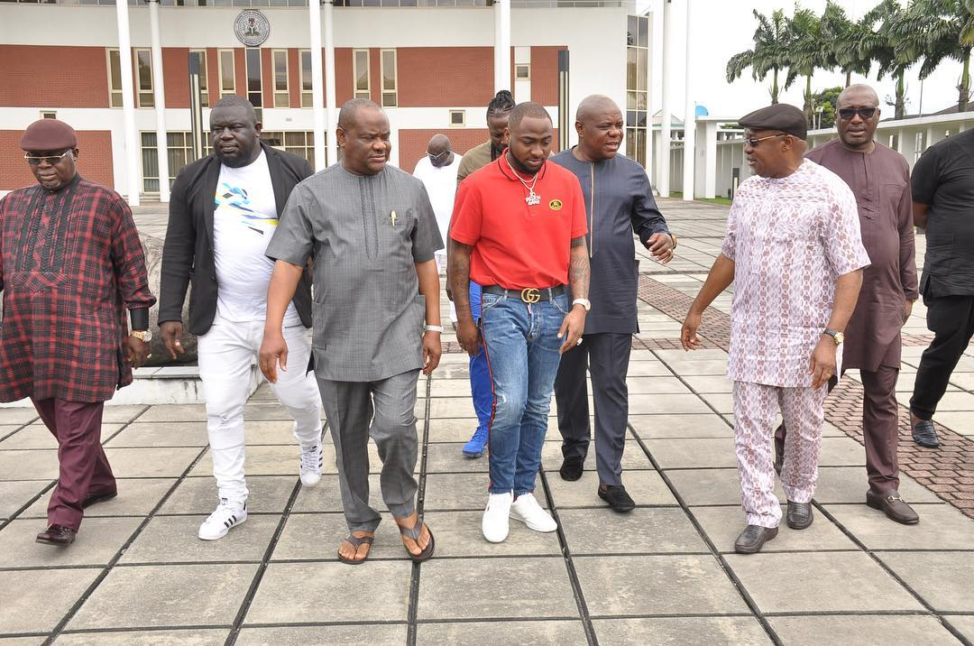 39054412 224000624936528 6190277630047027200 n - PHOTOS: Governor Wike Hosts Davido And His Crew At Rivers Government House