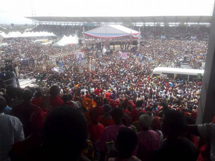 Akpabio APC 8 - PHOTOS: Senator Akpabio Officially Joins APC