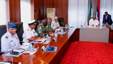 Buhari Chiefs 390x220 - Buhari holds meeting with Service chiefs, gives them directives