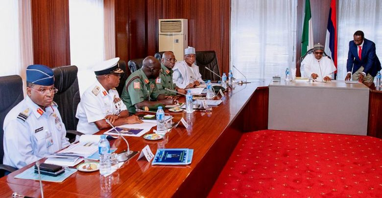 Photo of Buhari holds meeting with Service chiefs, gives them directives