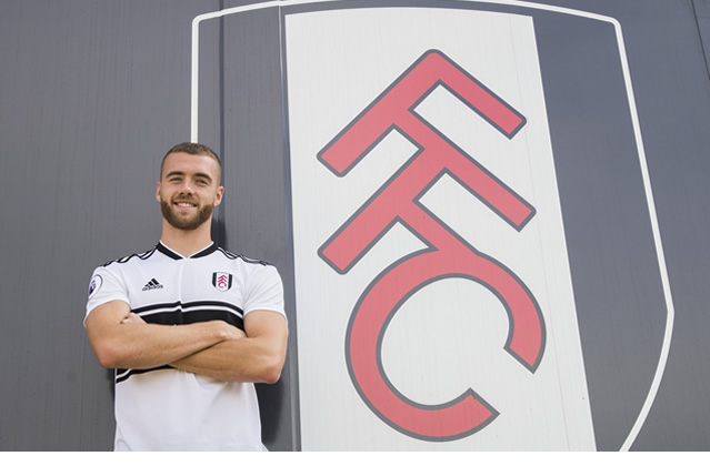Photo of Fulham Sign Calum Chambers from Arsenal
