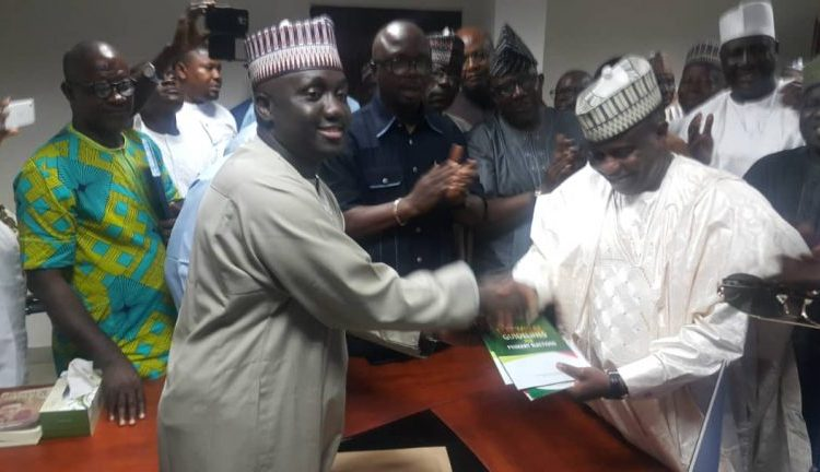Tambuwal Picks PDP Presidential Nomination Form Ahead of 2019 Elections - OkayNG News