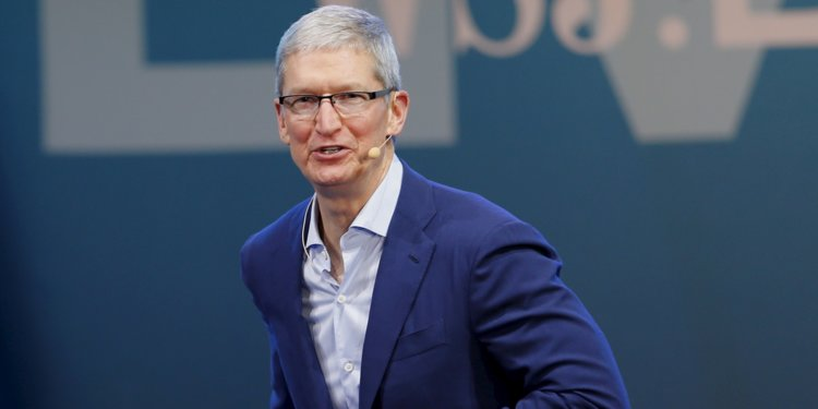 Photo of Apple CEO Tim Cook Speaks On Company's Rise to $1 trillion Value