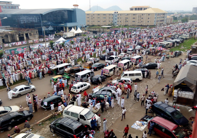 PHOTOS: Kwankwaso Officially Declares Intention to Run for President In 2019 - OkayNG News