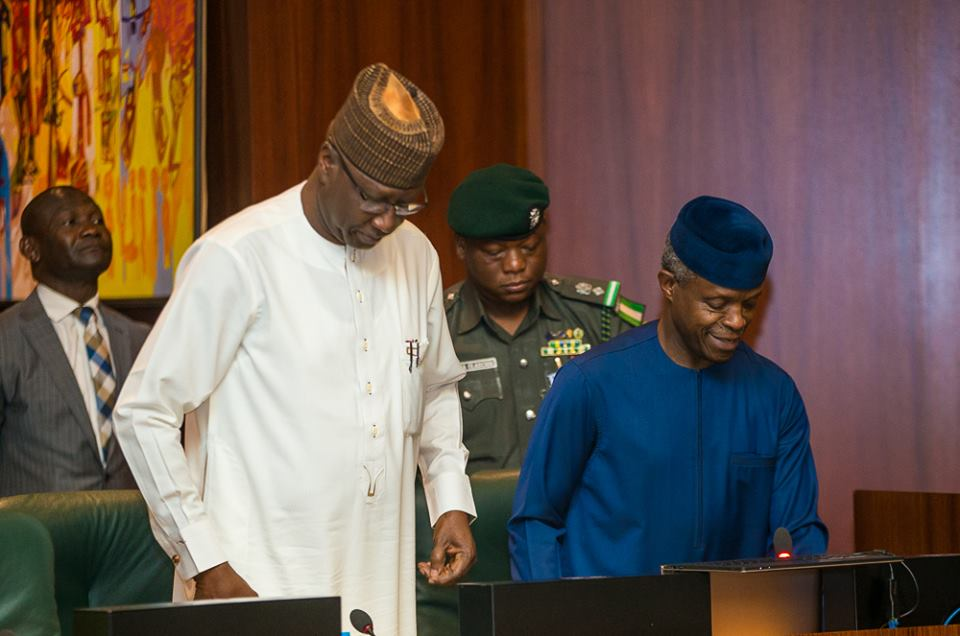 40931017 876964429160954 3799482091863801856 n - PHOTOS: Vice President Osinbajo Presides Over FEC Meeting