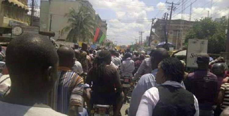 Photo of Security Operatives Arrest 125 MASSOB Members In Anambra