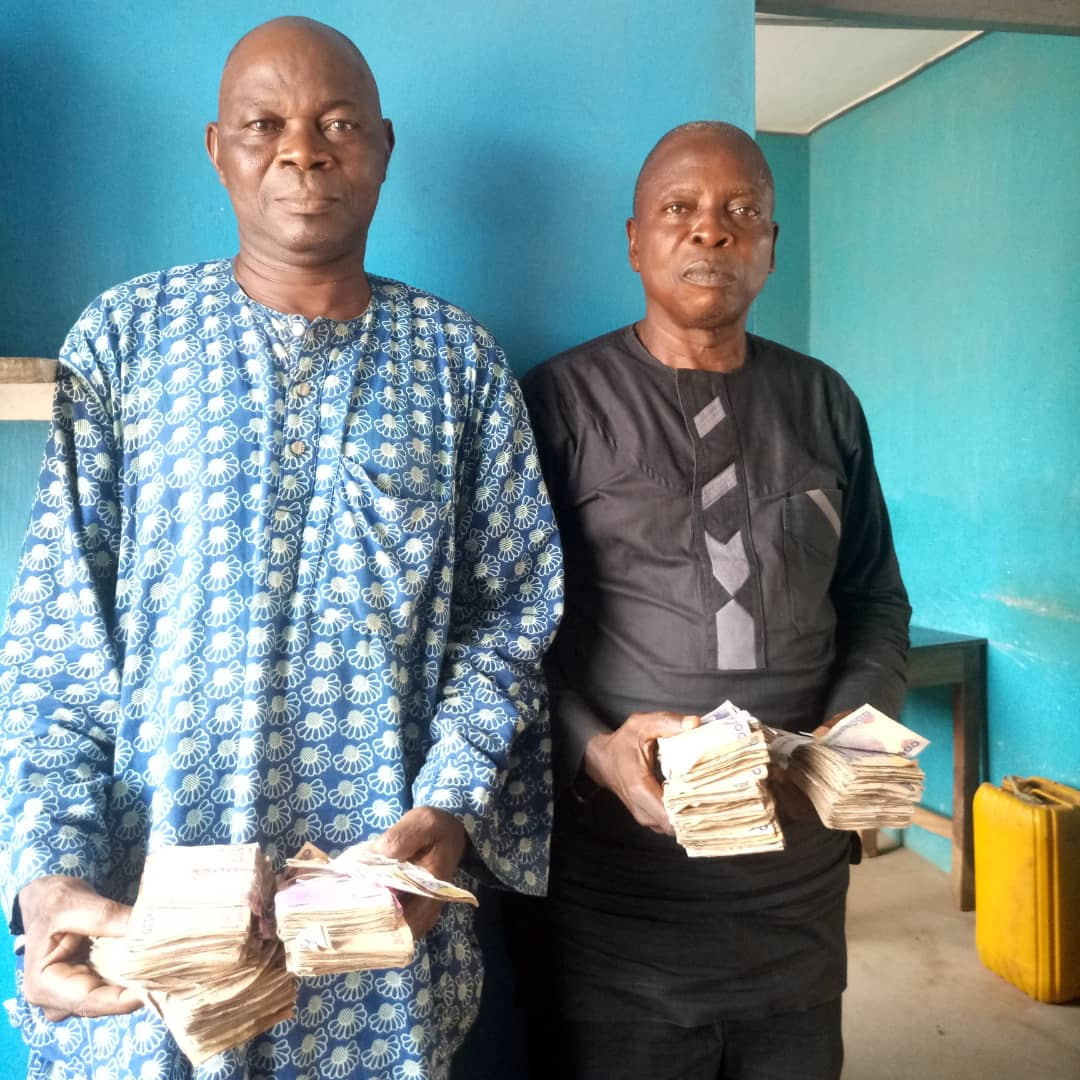 Photo of #OsunDecides: PDP Agents Arrested with N604,000 for Vote Buying [See Photos]