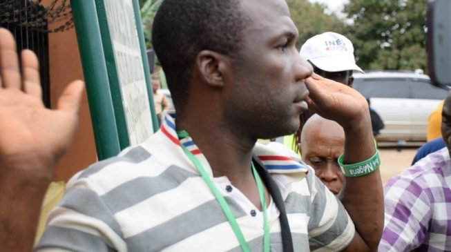 Photo of Drama As Arrested Electoral Officer Confesses to Tearing of Results For Aiyedaade [#OsunDecides]