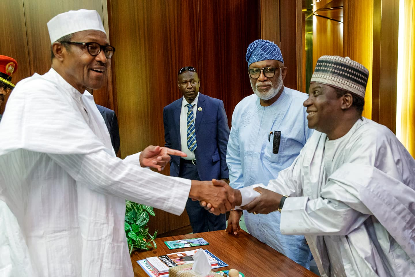 President Buhari Hold Closed Door Meeting with 9 APC Governors [See Photos] - OkayNG News