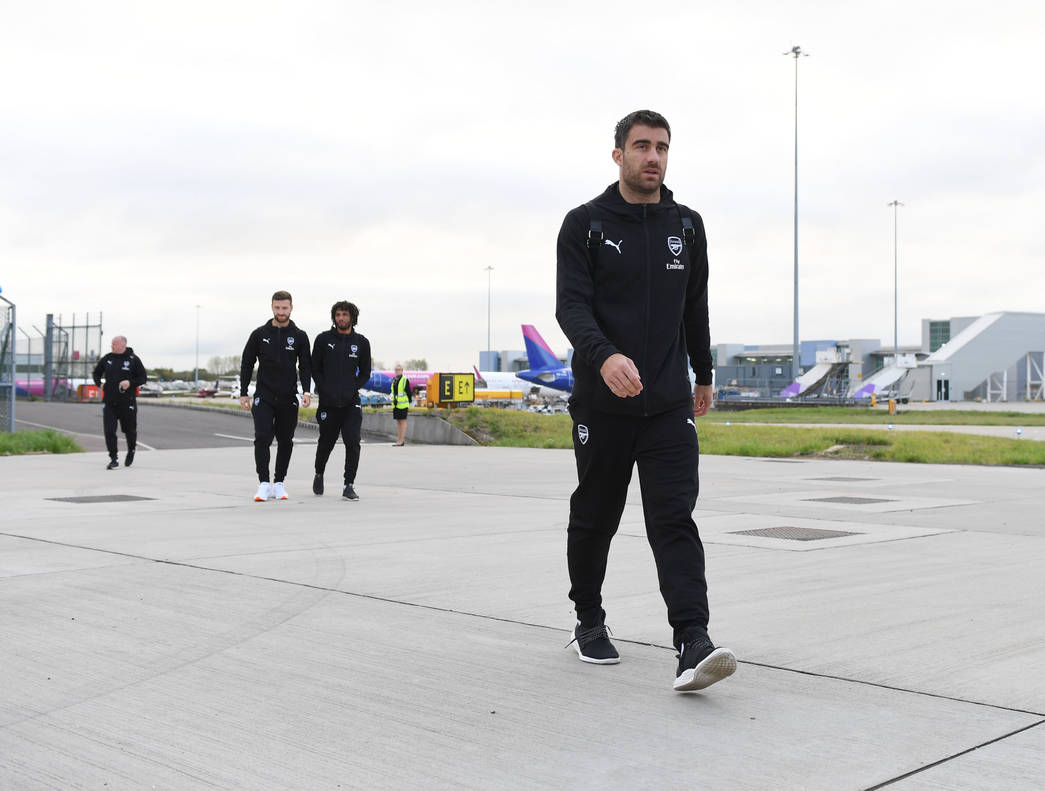 PHOTOS: Arsenal Players Travel To Azerbaijan Ahead Of Europa League Match Against Qarabag - OkayNG News