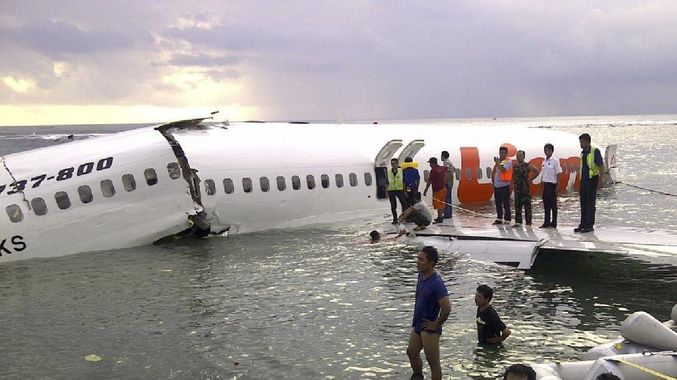 Photo of Indonesia Plane Crashes with 189 Passengers on Board