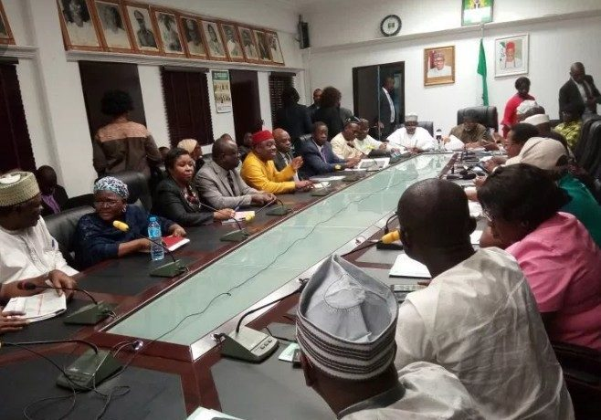 FG, ASUU to Hold Fresh Meeting On December 10 Over Ongoing Strike - OkayNG News