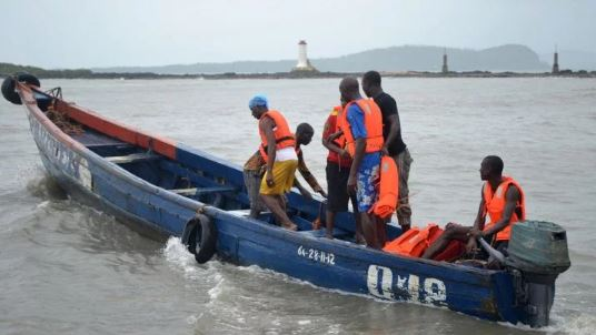 Photo of Three Confirmed Dead, Five Missing As Boat Conveying 20 Passengers Capsizes in Lagos