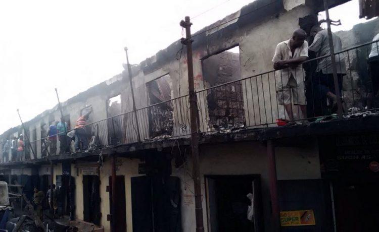 Fire Destroys 156 Shops Nkwo Ngwa Market in Aba - OkayNG News
