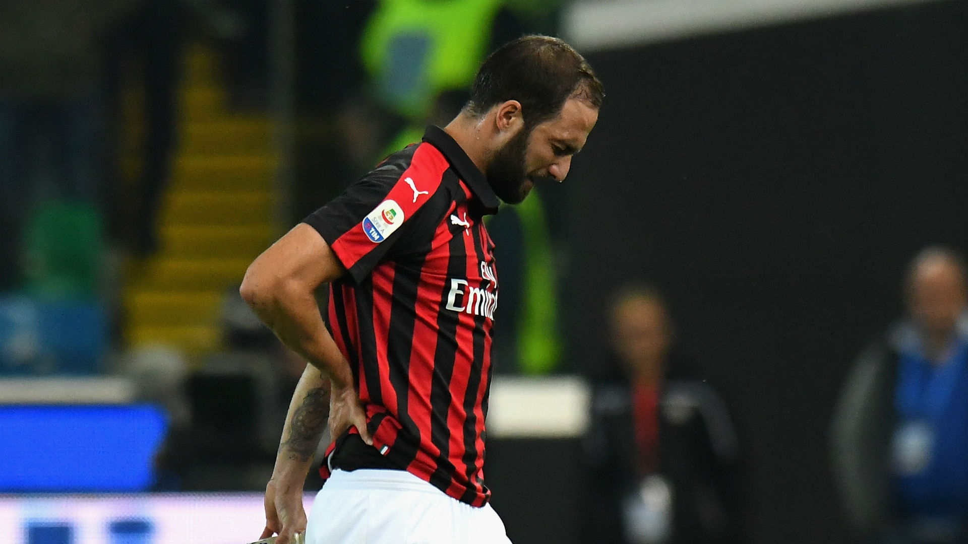 Higuain OkayNG - Higuain Apologises for Red Card Against Juventus