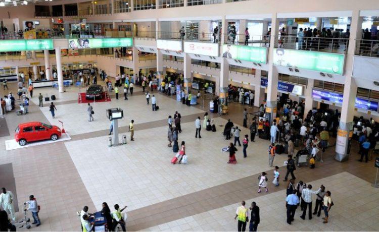 EFCC Operatives Intercept N211m Gold at Lagos Airport - OkayNG News