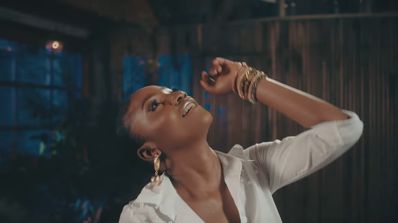"Photo of Simi Drops Music Video for Recent Single ""Lovin"" [Watch]"