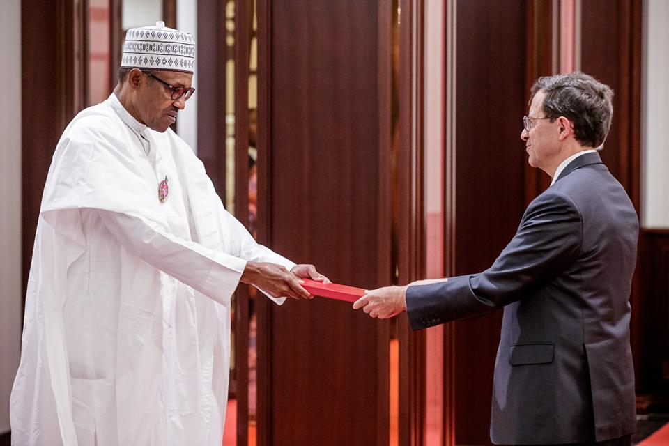 Buhari Receiving OkayNG - Buhari Assures Nigerians of Credible 2019 Elections