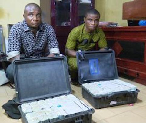 EFCC 2 persons with Enugu  - EFCC Intercepts Two Men Carrying $2.8m Cash at Enugu Airport