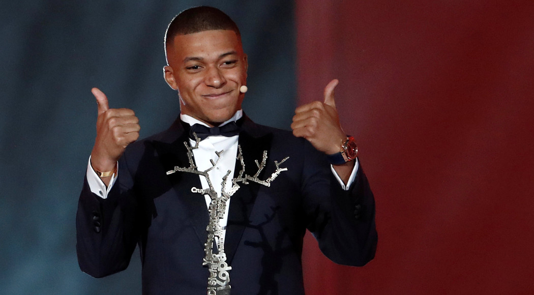 Photo of Kylian Mbappe Named Best Under-21 Player of the Year at Ballon d'Or Ceremony