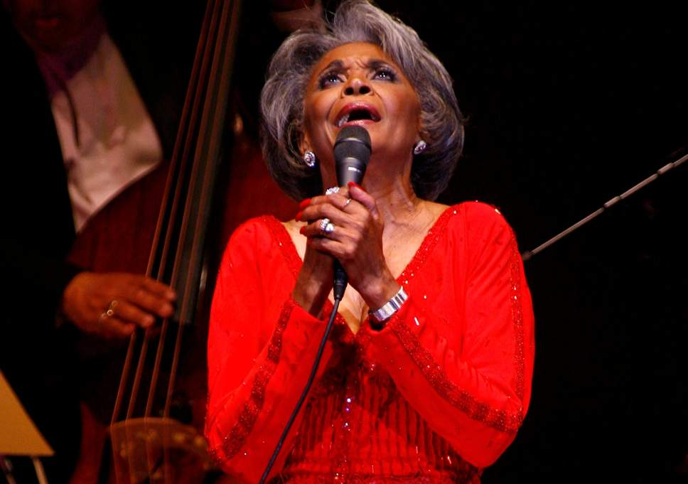 Photo of Nancy Wilson, Grammy Award-Winning Singer Dies at Age 81