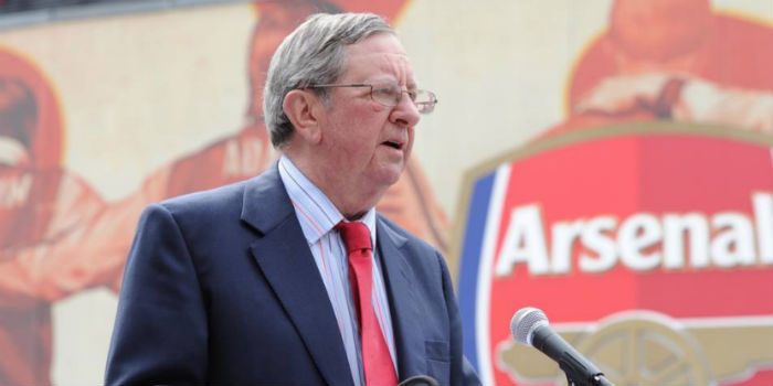 Photo of Former Arsenal Chairman, Peter Hill-Wood, Dies at Age 82