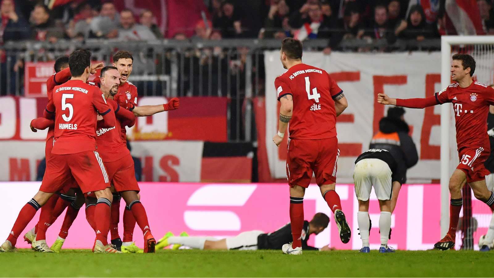 bayern cropped 1pnwv9i1g34de1sh8swtwaezfk - Bayern Munich vs RB Leipzig 1-0: Bundesliga Highlights [Video]