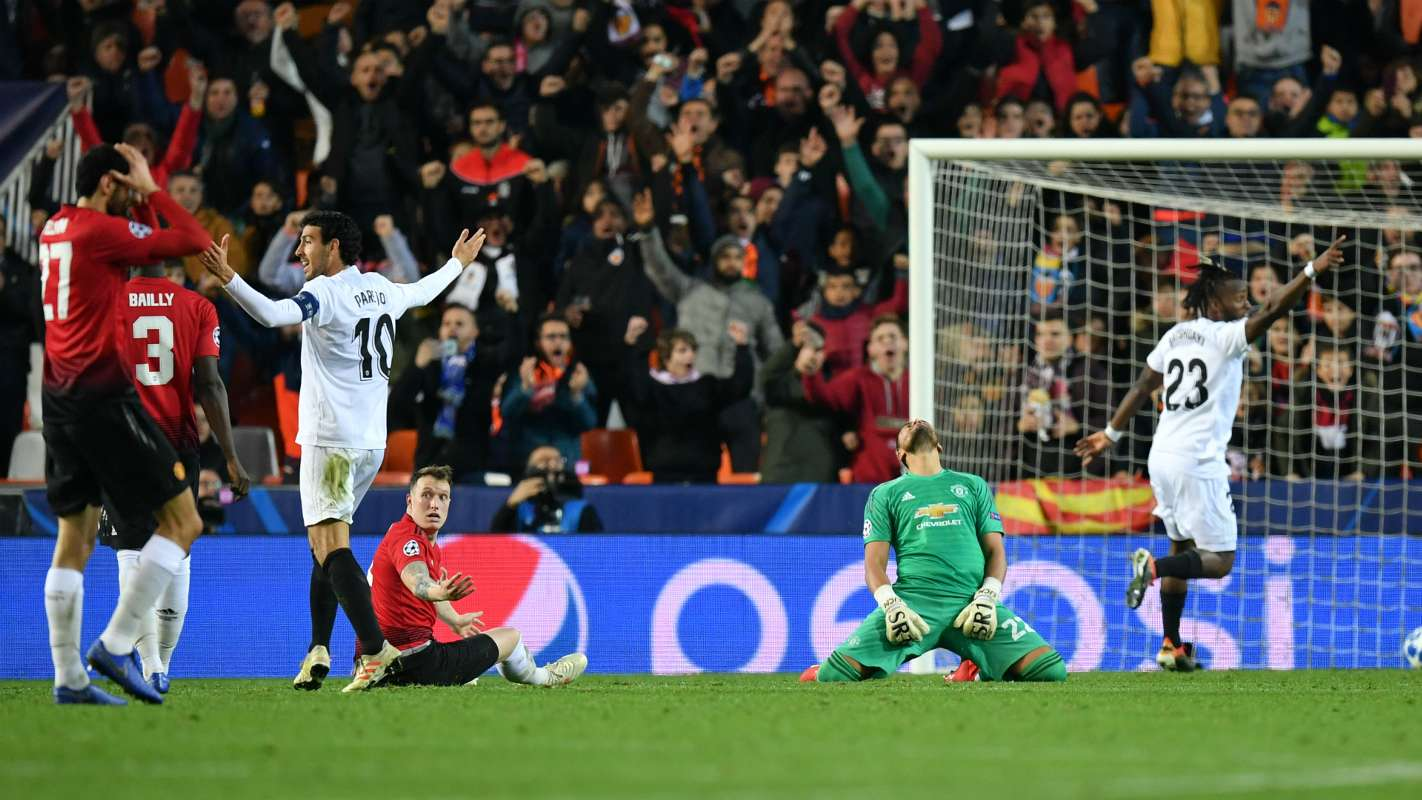 phil jones cropped rhlfydr6mbf91rkg3z1wo7zze - Valencia vs Manchester United 2-1: UEFA Champions League [Watch Video]