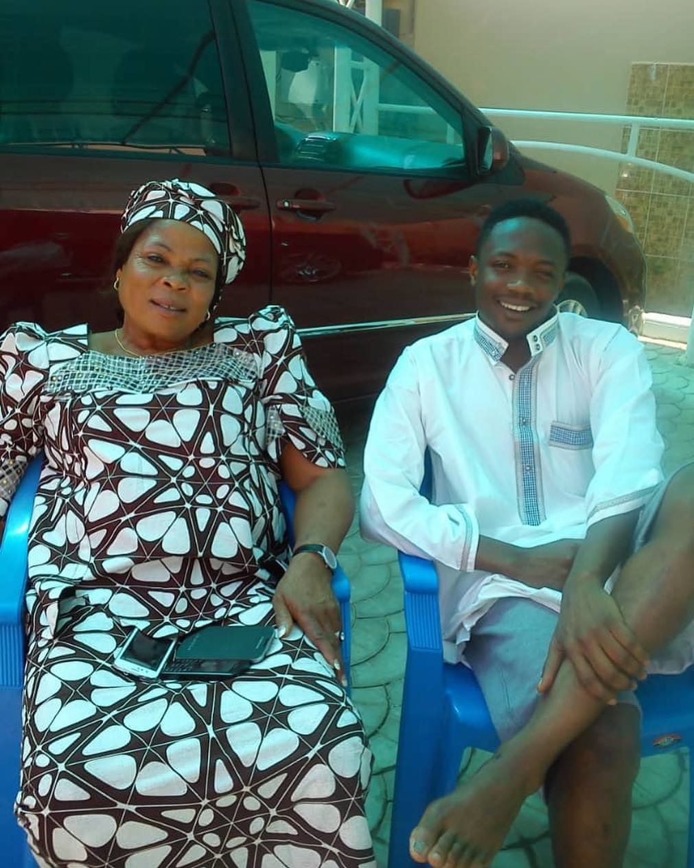 Photo of Ahmed Musa's mother dies after illness