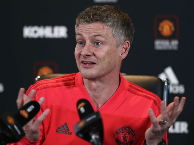 Photo of Solskjaer speaks after Manchester United failed to defeat Wolves in FA Cup
