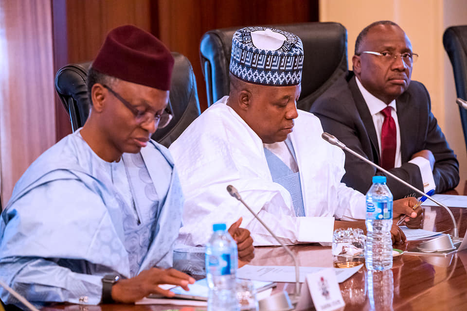 52313791 2081311518627844 8360291001444597760 n - Photos from Buhari's meeting with governors, service chiefs